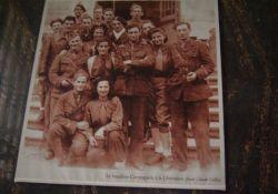 Bataillon Carmagnole nach der Befreiung; hist. Foto im Rathaus