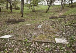 Eines der 3 ehemaligen Massengräber
