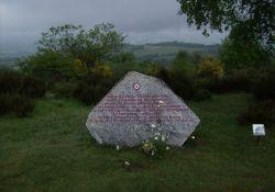 Gedenkstein auf dem Mont Gargan-Gipfel