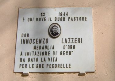 Gedenktafel für Don Innocenzo Lazzeri (Foto: Baldini)