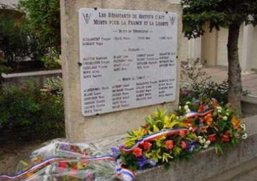 Gedenktafel Widerstandskämpfer; Quelle: P. Chrétien, mémorial GenWeb CC BY-NC-SA