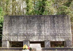 Stele, israelitischer Friedhof
