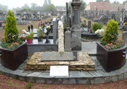 Stele der vier in Arras erschossenen FTP-Maquisards