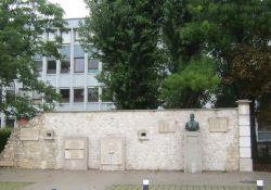 Mur du Souvenir – Mauer des Gedenkens